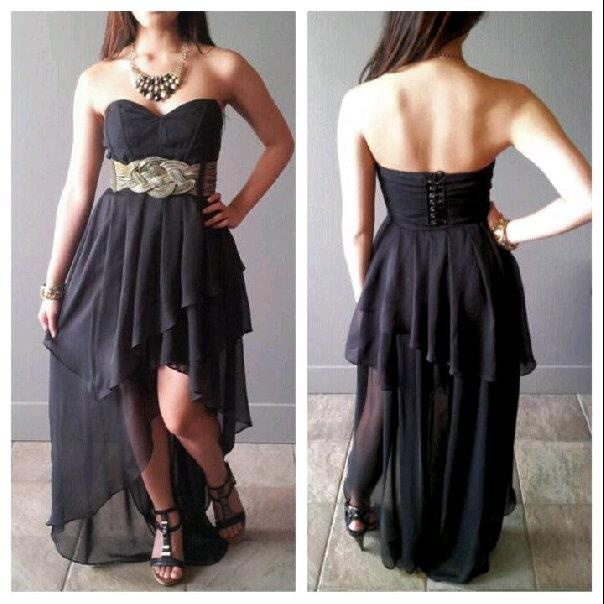 This high-low sweetheart dress is totally runway worthy!! Did we mention it's a corset back?? LOVE!