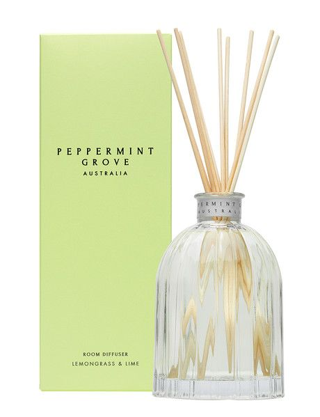 This invigorating and refreshing fragrance will heighten the senses and conjure up lush tropical images reminiscent of the Daintree Rainforest, exclusive Barrier Reef island lodges and private beaches.