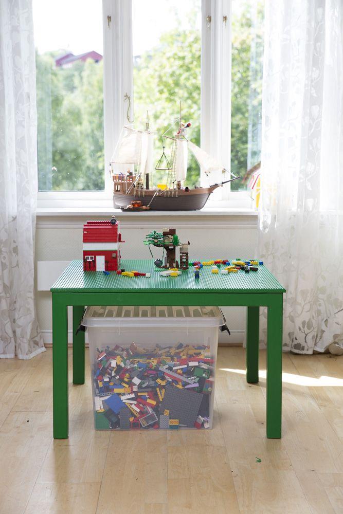 Legobyggebord. Built by Eivind Stoud Platou Photo: Colin Eick From the book «Bygg selv – håndbok i hjemmesnekring av møbler», Kagge forlag (2016)