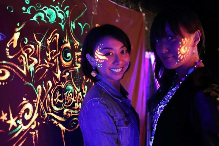 2 japanese ladies with bodypainting and a background piece for black moon party osaka 11/2013 .