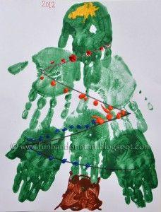 Kerstmis ambachten voor kinderen - handafdruk boom