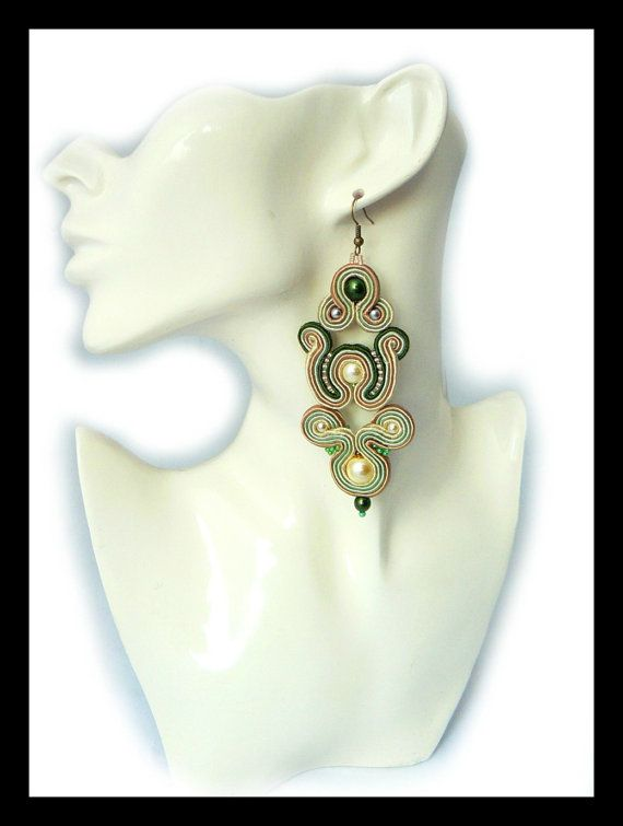 Soutache earrings beige green glass pearls Maya's by Mayasbijou €21.86 EUR on Etsy.com