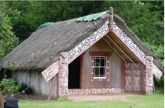 Ngati Tuwharetoa.Hinemihi.1880. Restored 2002, Clandon Park Nestled amongst trees and shrubs by the side of Clandon house sits Hinemihi Marae. The social/political/historical context of the image a…
