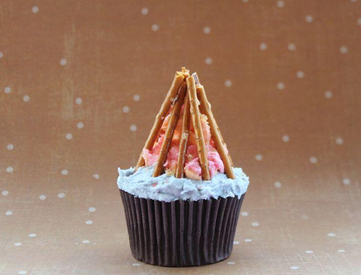 bonfire cup cake