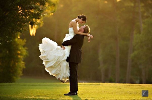 Romantic. Love this pose for wedding photos, similar to our engagement photos.