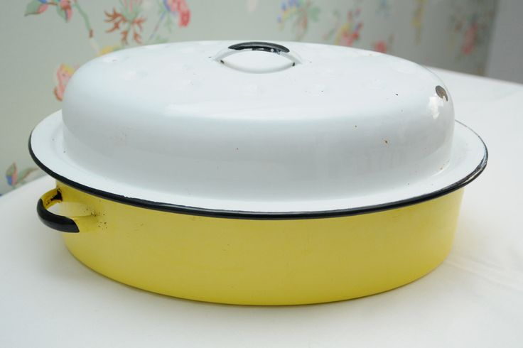 Enamel Coated Tin Yellow and White Oven Casserole Pan by VivaVivaVintage on Etsy https://www.etsy.com/listing/253732846/enamel-coated-tin-yellow-and-white-oven