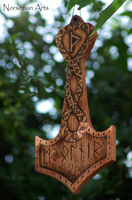 m s de 25 ideas incre bles sobre tatuaje de runa vikinga en pinterest tatuaje de runas. Black Bedroom Furniture Sets. Home Design Ideas