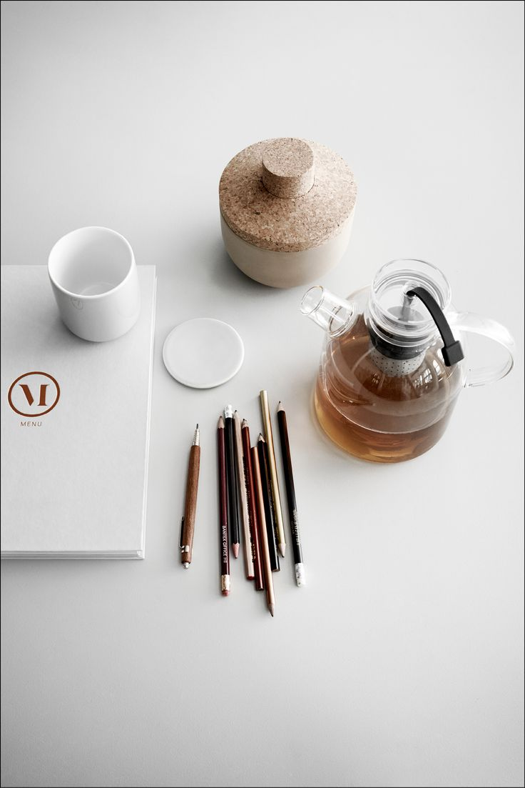 The Glass Kettle Teapot designed by Norm Architects for Menu uniquely embraces the joining of two traditions - modern Scandinavian design and Asian zen philosophy. A special feature is the teapot's transparency that grants a visual experience of the tea.