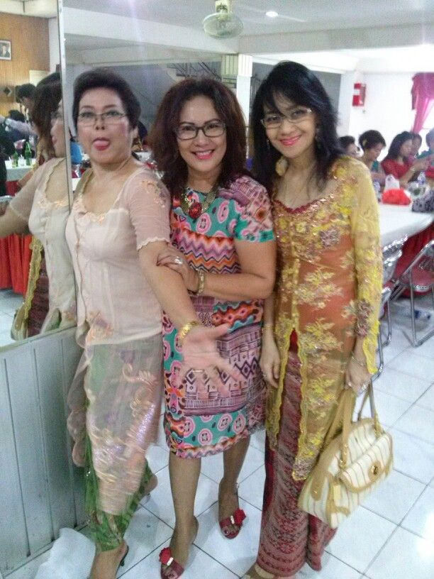 with kk Ellen n Marina