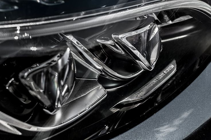 New Mercedes C class head light in full led technology #mercedes #cclass #led #headlight see more: http://premiummoto.pl/12/11/mercedes-benz-c220-bluetec-galeria