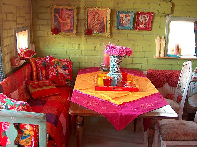 61 best images about boho chic decorating style on pinterest for Bohemian dining room decorating ideas