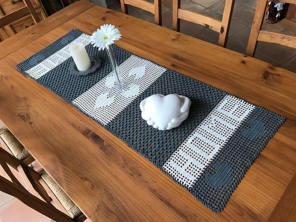 die besten 17 ideen zu tischl ufer h keln auf pinterest napperon h keln anleitung und h kelmotiv. Black Bedroom Furniture Sets. Home Design Ideas