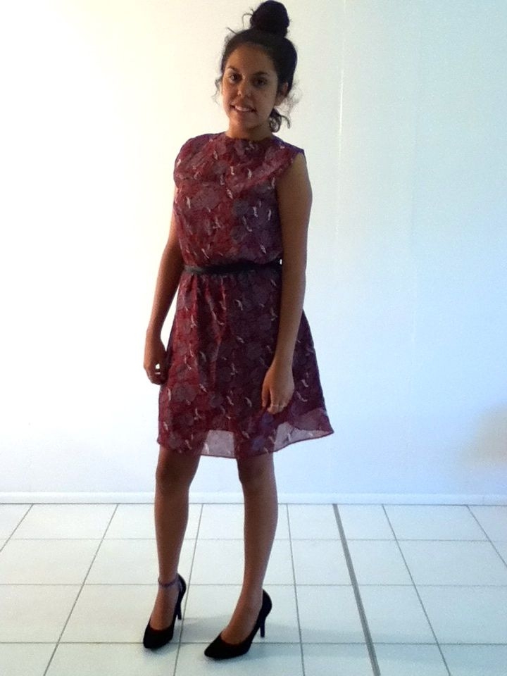 XS-S / AU 6-8 $30 L: 8.5cm B: 80cm W: 64cm elastic   Burgundy red Japanese Vintage dress has rose print on it and a sophisticated front look with four buttons. This dress has belt holes also..
