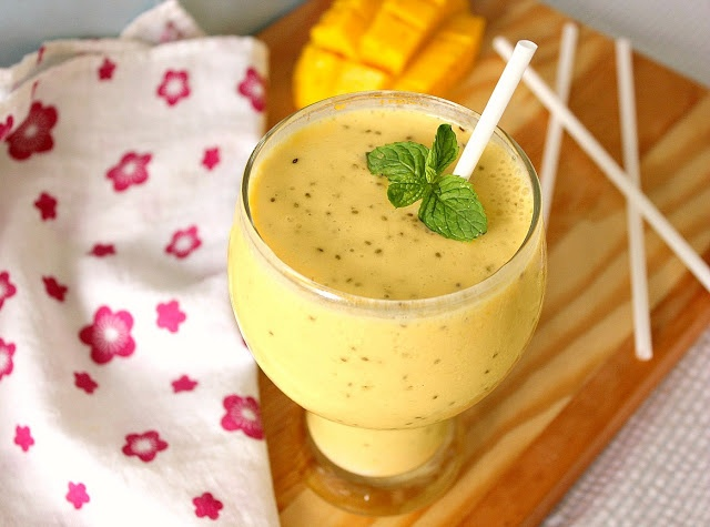 Tropical Smoothie with Chia Seeds