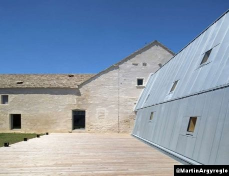 Reconversion and extension of the former hospital in Meursault (France) by Simon Buri et Jung Architectures Contractor: Charpentiers de Bourgogne, Copyright : ©️️️ Martin Argyroglo #Architecture #AZENGAR #Zinc #VMZINC #Facade #Roofing #Roof #France #Project #Extension