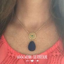 Blauwe ketting €12,95 op www.wen-sieraden.nl  Heb jij dit leuke kettinkje al ontdekt in onze webshop?! Ook verkrijgbaar in groen  www.wenn-sieraden.nl #kettinkje #new #necklace #style #sieraden #jewelry #fashion #facet #mode #musthave #webshop #ketting