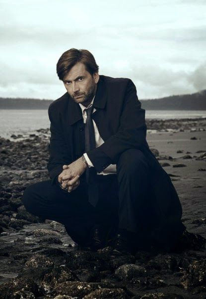 PHOTOS: New Gracepoint Promotional Pictures Of David Tennant And Cast