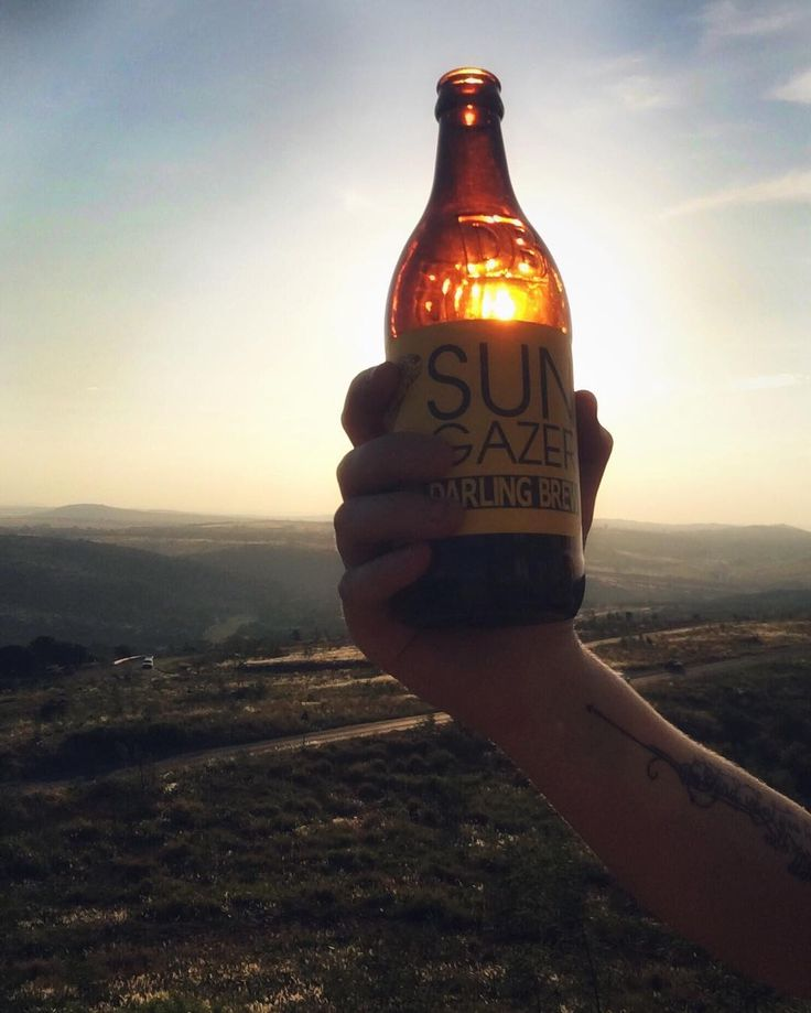 Evening goals include this very easy-drinking smooth-tasting @darlingbrew light lager.  They call it the Sun Gazer. Best enjoyed at sunset or after a long bike ride.  #tastingleague #leagueofbeers #goals #sunset #summer #instagood #darlingbrew #lager #sungazer #fun #happy #beer #food #beerporn #beerlover #craftbeer #drinklocal #drinkcraft #pretoria #southafrica