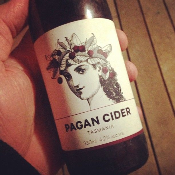 Had this sucker last weekend, never heard of it, damned fine drop. Made with real Pagan's apparently. #cider #goodbeerinhand #tassiecider #pagancider