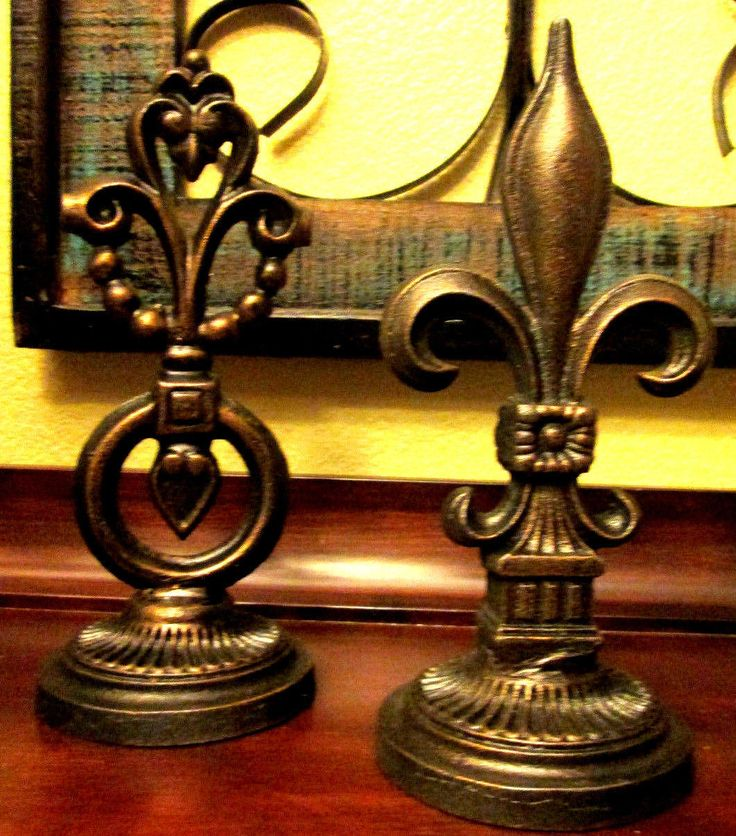 Fleur De Lis. Hand Made Hand Painted Old World