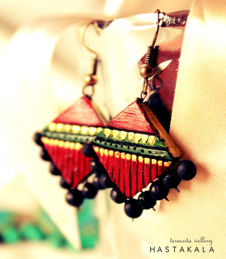 HASTAKALA - an organic ethnic line of handcrafted jewellery and accessories. shop now! mail:hastakala.india@gmail.com customized jwellery in your hands!