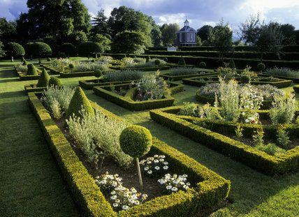 """""""French Parterre"""" landscape design inspiration: Parterre at Westbury Court Garden"""