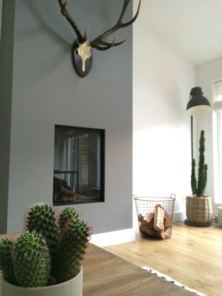 Livingroom fireplace / woonkamer gashaard - more interiordesign on / meer interieurstyling op www.debbyrijvers.nl