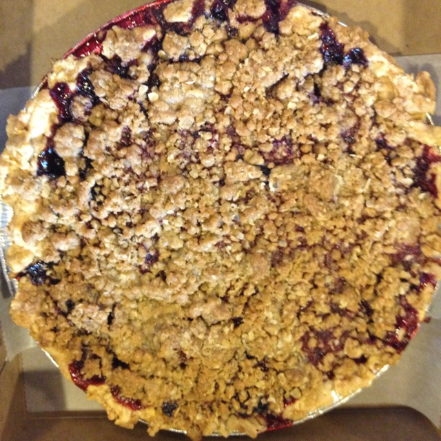 Mixed berry crumble pie