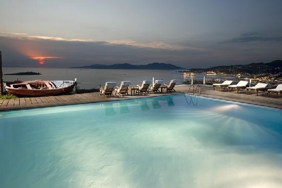 Tharroe of Mykonos Hotel - BEAUTIFUL, amazing service.