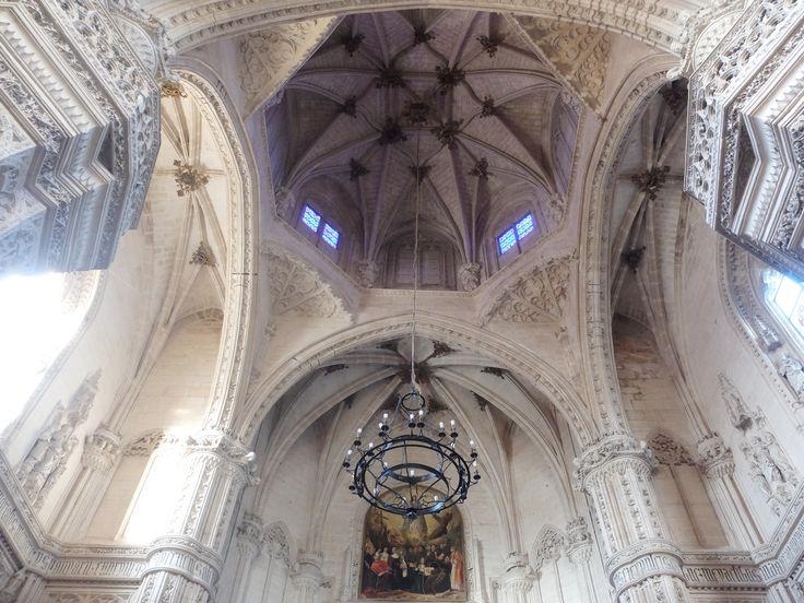 Altar Mayor, Cimborrio  y Crucero. Bóvedas
