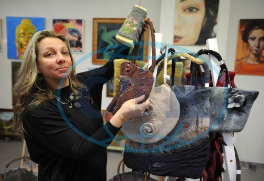 Olga Jelínková, výtvarnice, šperkařka, výroba šperků, kabelka, plstěné kabelky