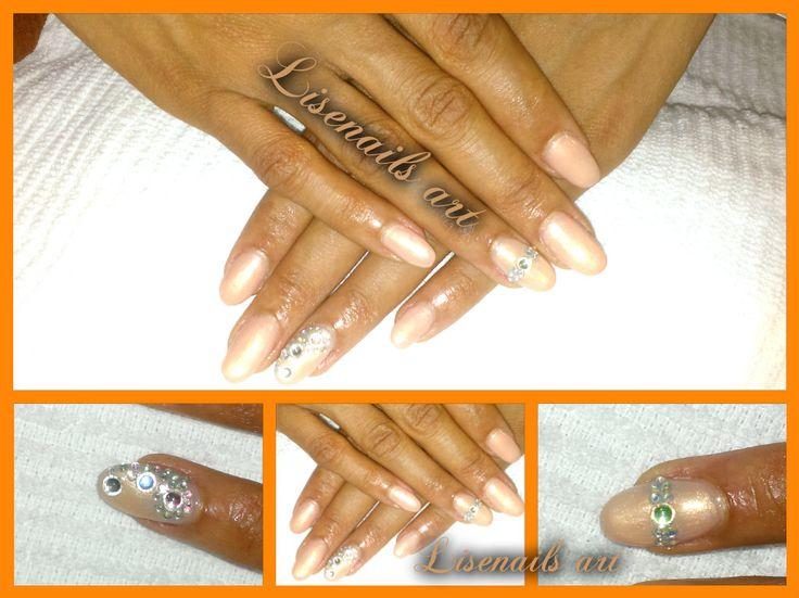 nails cilent fake nails and strass