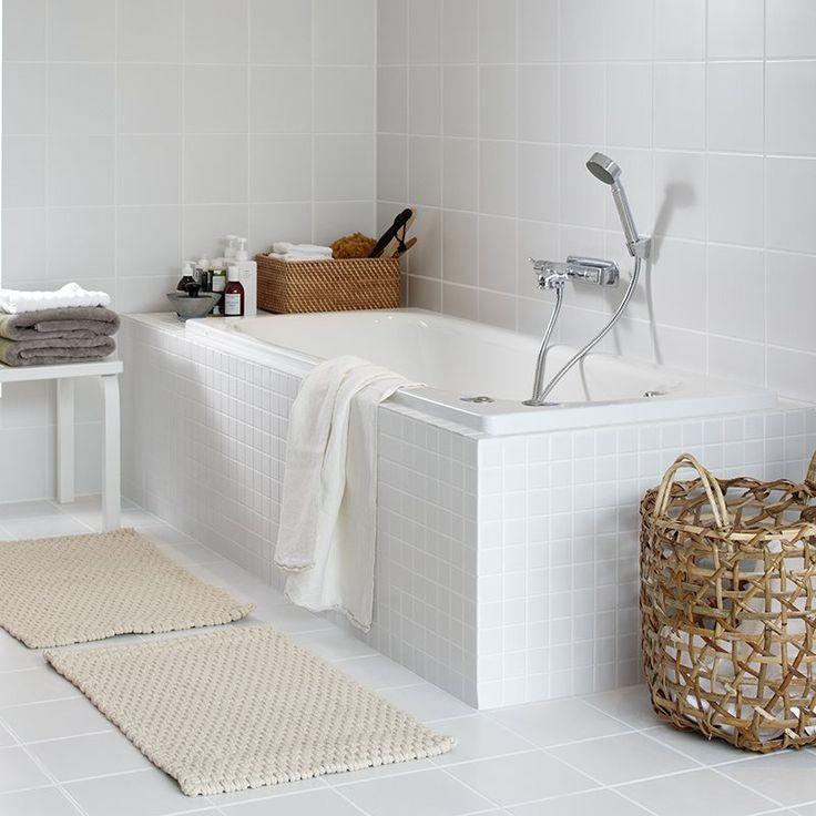 Badkar IFÖ Caribia är ett badkar tillverkat i vit emaljerad stålplåt för inmurning eller kompletteras med lätt avtagbar frontplåt med barnsäker spärr. Ställbara fötter så att karet står plant oavsett om golvet lutar.