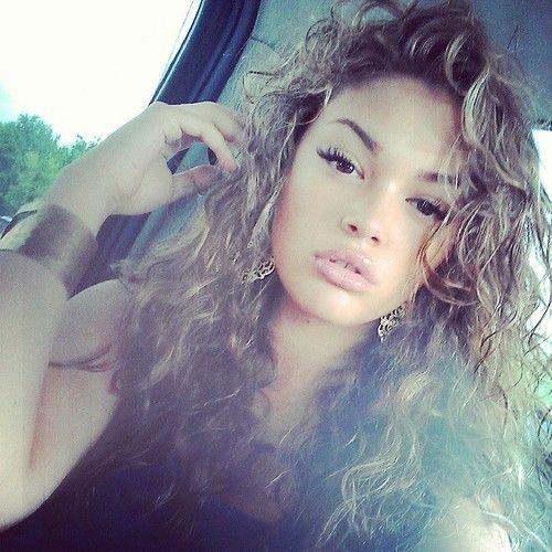 curly hair, honey blonde / light brown, wavy / loose curls ...