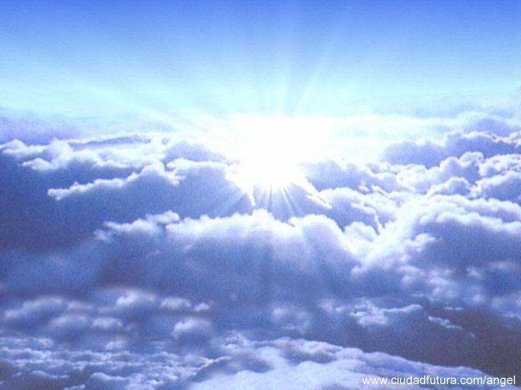 """Te otorgamos el poderío que te corresponde como parte de la divinidad.  Ejercítalo sabiamente, y con madurez y verás los frutos pronto. Ayúdate desde tu poder. Amplíalo para tu beneficio y el de los que te rodean. Estamos a tu lado ayudándote en esta tarea.  Te amamos y bendecimos desde el poder divino de la luz""""  Somos los ángeles del Poder de Dios Marianela Garcet - Los Ángeles te hablan: Escúchalos 1"""