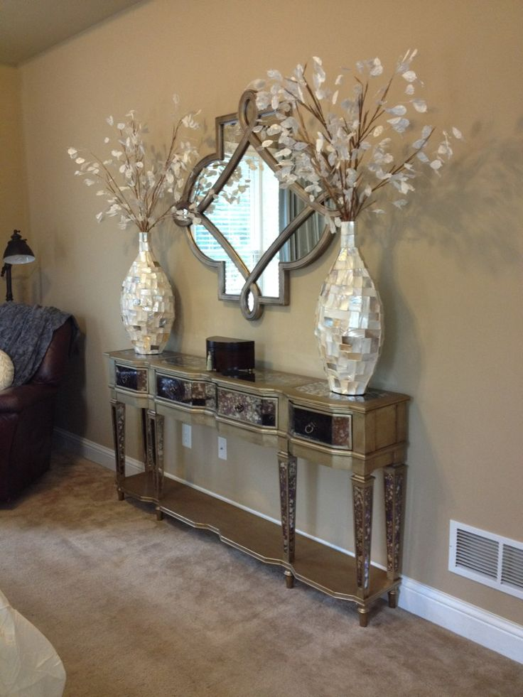 @Paisley McDonald used our Tempest Vases and Silver Dollar Spray in a recent transformation.