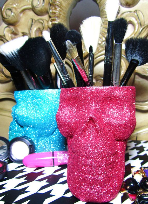 glitter skull makeup