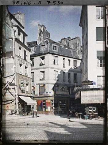 The corner of Saint-Jacques, Galande and Saint-Julien-le-Poor Stéphane Passet © Musée Albert-Kahn - Hauts-de-Seine