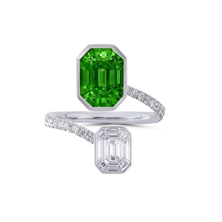 Stenzhorn's Muse Pantoni toi et moi ring with invisible-set tsavorite and white diamond. http://www.thejewelleryeditor.com/jewellery/article/stenzhorn-muse-invisible-set-diamond-jewellery/ #jewelry