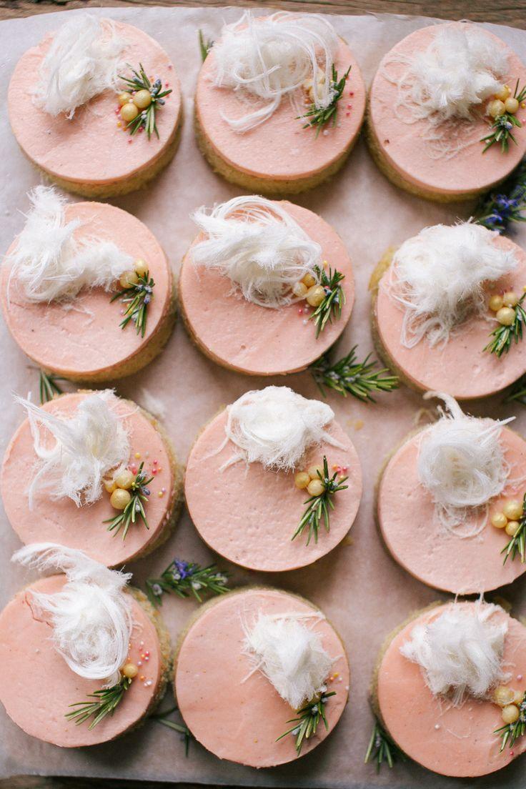 little rhubarb buttercream cakes