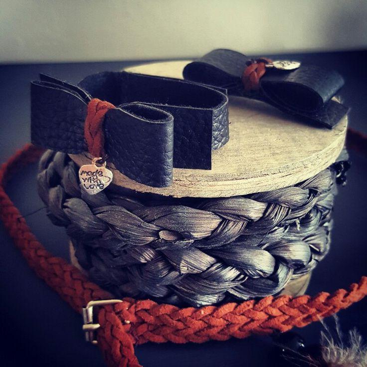 Mooie serie van HipjeKnipje! Gemaakt voor een kleutertje.. te bestellen via hipjeknipje@gmail.com! #HipjeKnipje #haarknipjes #haaraccessoires #meiden #hip #baby #newborn #blackandbrown #hip #leer #leather #veer #feather #nieuw #bruin #brown #black #zwart #belt #peuter #riem #armband #bracelet