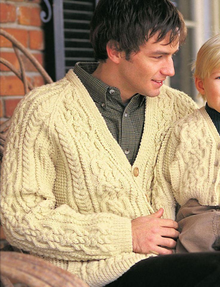 The central panel of this traditional Aran jumper pattern forms a beautifully intricate 'Celtic knot' design on interlacing cables, bordered on each side by a thin rope cable. A chain cable follows, and the rest of the sweater is moss stitch. Slightly unusually for a traditional Aran jumper pattern, the sleeves are raglan-shaped – that's all to the good in my opinion, as it means the lovely sleeve cables carry on all the way up the shoulders!