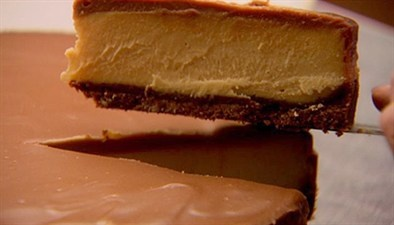Chocolate and peanut butter cheesecake recipe by Nigella Lawson, looks delicious!!