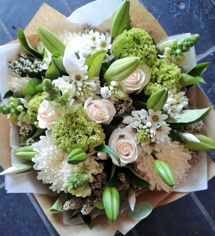 #Chincherinchees #white #flowers #bunch #snowballs #lime #green #fresh
