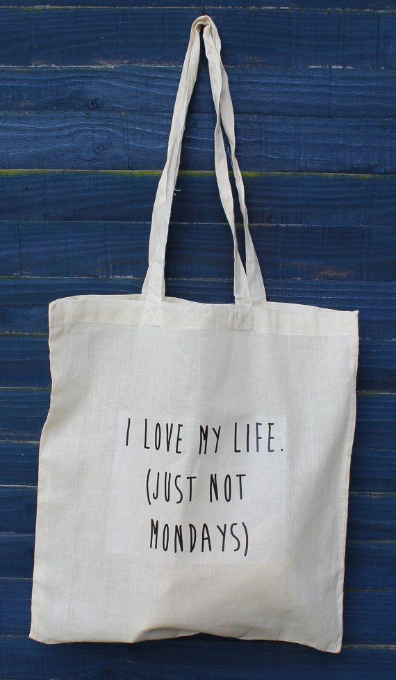 Tote Bags. Bolsas Personalizadas. Imprime las bolsas de tela que encontrarás en nuestro catálogo con diseños o frases originales. www.reclams.cat / 977 609 633 / comercial@reclams.cat