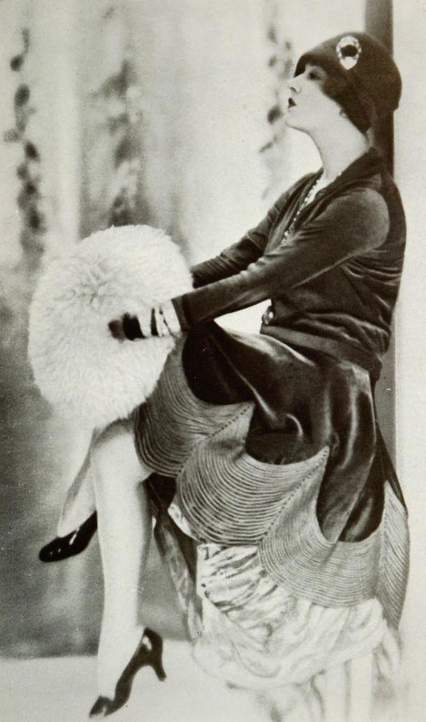 Afternoon dress by Jenny - November 1927 - Les Modes (Paris)