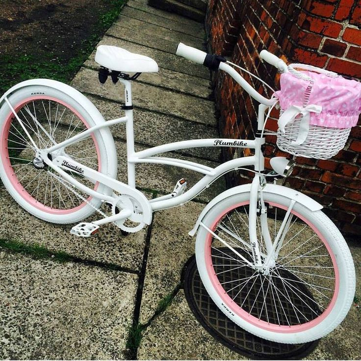 Bicicleta para mujer Pearl #domingo #favoritebike #sunday #happy #sunnyday #relax #bicycle #bicicletaurbana #blanca #mybike #plumbike #picoftheday repost @darixis #instaday #photooftheday #fashion #ootd #fitgirl #healthylife #malaga #españa #sol #fun