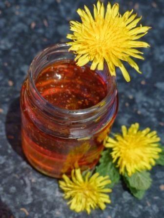 Hier zeigen wir euch ein weiteres köstliches und einfach umzusetzendes Rezept für gesunden Löwenzahnhonig. Mit freundlicher Genehmigung von: Zutaten : 200 Löwenzahnblüten 1 Liter Wasser 3 BIO Oran...