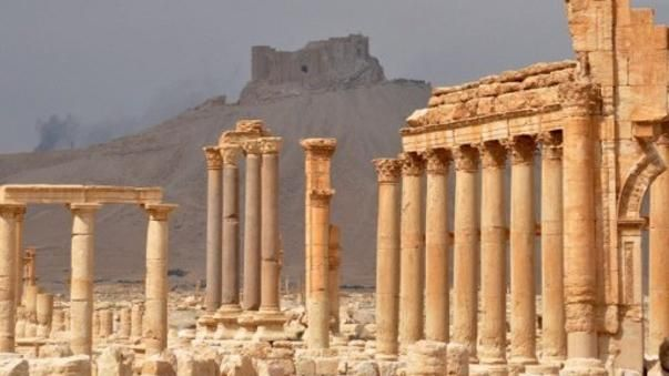 De la conférence internationale d'Abou Dhabi à l'adoption d'une résolution par le Conseil de sécurité des Nations Unies, la communauté internationale, emmenée par la France, s'est fortement mobilisée en faveur de la protection du patrimoine en danger. Repères chronologiques.