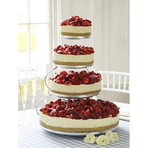Cheesecake for the wedding cake? Ummmm.... yes please!